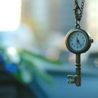 clock-4205181_1920-768x560